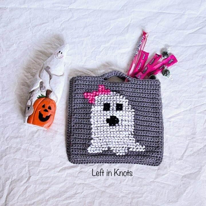 a small crochet trick or treat bag