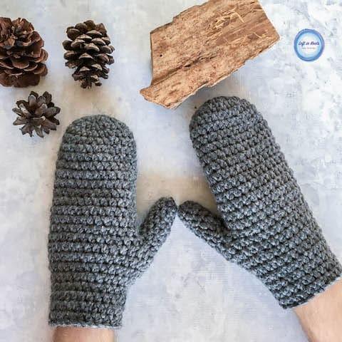 Chunky crochet men's mittens