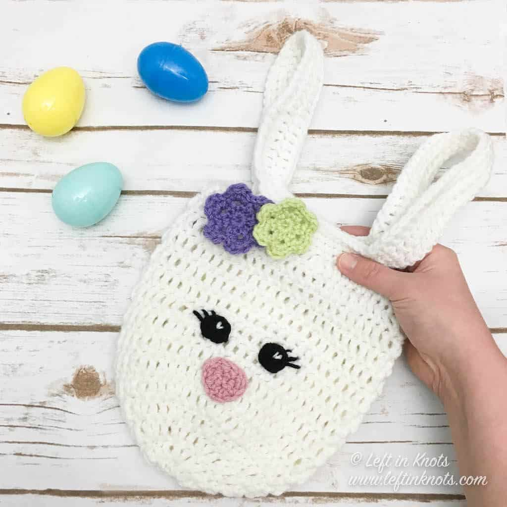 A small crochet Easter bunny bag for Easter eggs