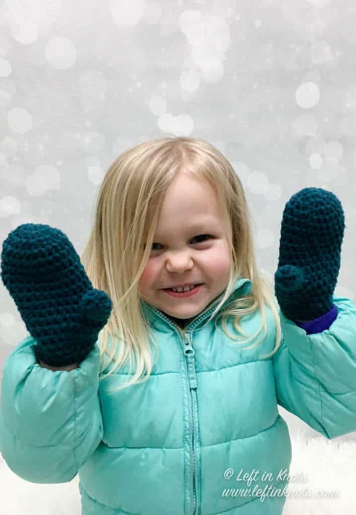 Small crochet children's mittens